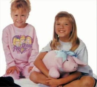 Stephanie and Michelle - full-house Photo