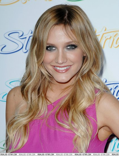 Stride Summer Party HQ... Ashlee Simpson Facebook