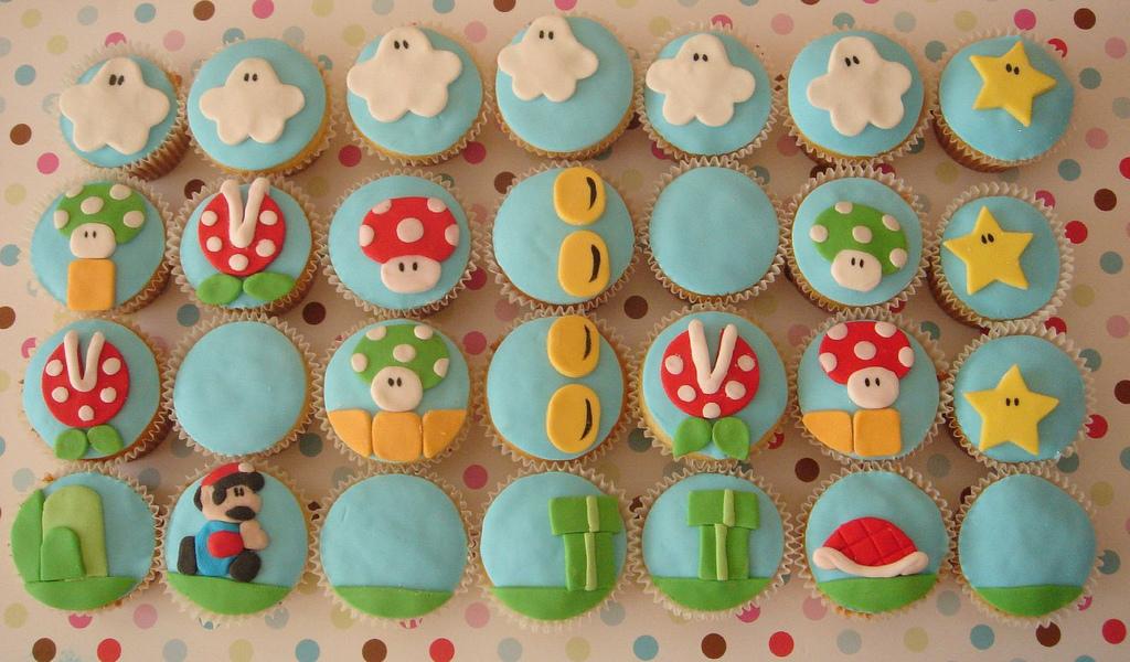 http://images.fanpop.com/images/image_uploads/Super-Mario-cupcakes-395907_1024_600.jpg?1362412082898