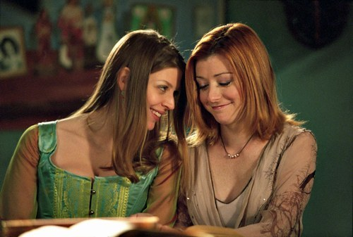 Buffy the Vampire Slayer wallpaper titled Tara & Willow