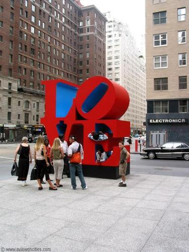 New York Обои titled The 'Love' Sculpture