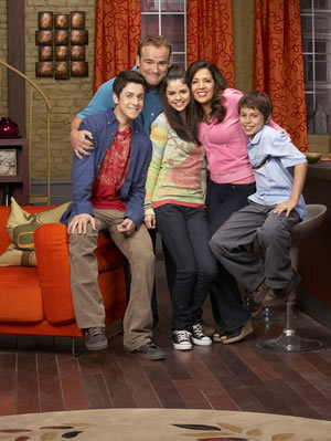 The Family - wizards-of-waverly-place photo