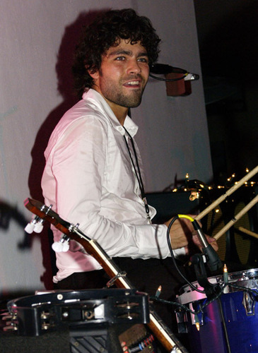 Adrian Grenier Drums 08 - adrian-grenier Photo