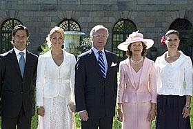Sweden 바탕화면 entitled The Swedish Royal Family