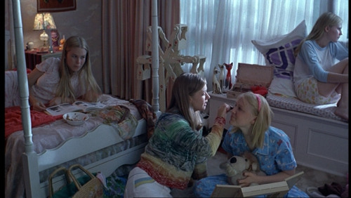 The Virgin Suicides پیپر وال titled Mary, Lux, Bonnie & Therese