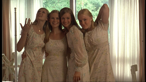 The Virgin Suicides 壁紙 titled Lux, Mary, Bonnie & Therese