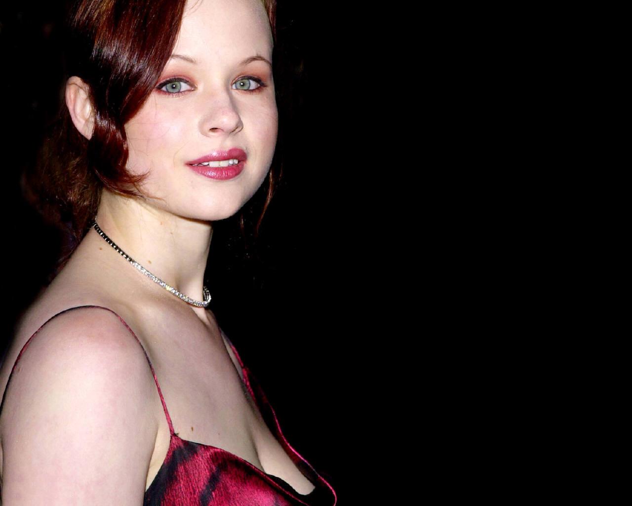 Thora Birch 364654 wallpaper - Thora Birch - Celebrities | Girls bet at home paysafecard nieaktywna ...