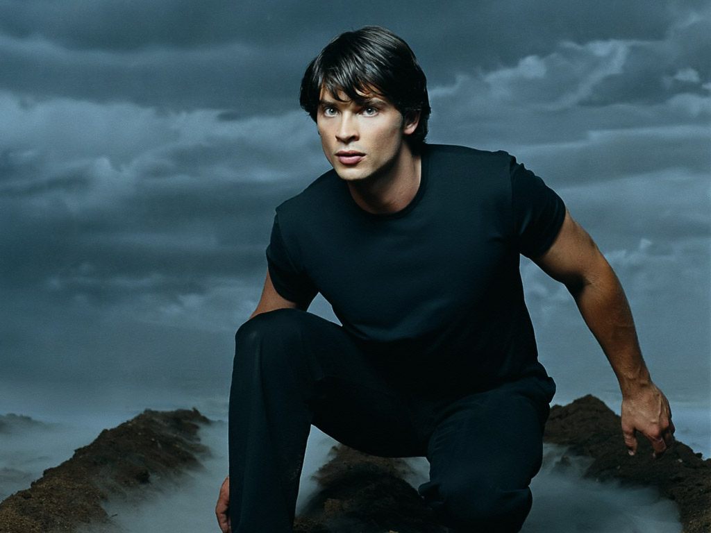 tom welling care 33 ill pretend teenager watches smallville