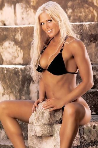 Torrie Wilson kertas dinding called Torrie Wilson in Black