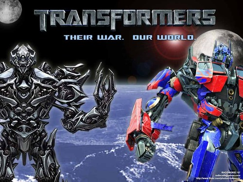 Transformers karatasi la kupamba ukuta titled Transformers