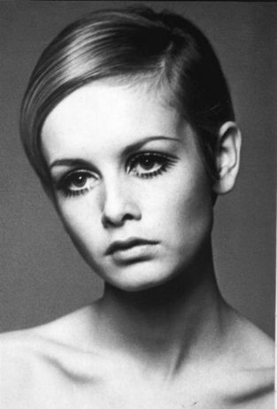 Twiggy wolpeyper entitled Twiggy