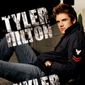 Tyler Hilton - one-tree-hill-music photo