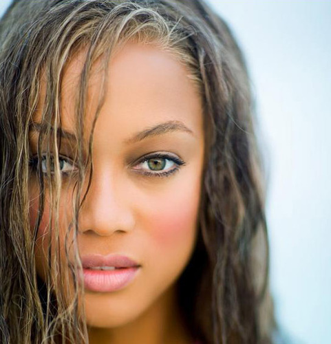 Tyra @ Sports Ilustrated - tyra-banks Photo
