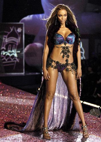 Victoria's Secret মডেল সমাহার