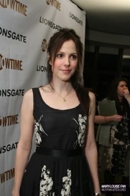 Weeds wallpaper entitled Weeds Mary Louise Parker