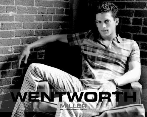 Wentworth Miller Hintergrund titled Wenworth Miller
