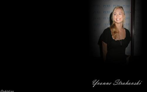 Yvonne वॉलपेपर
