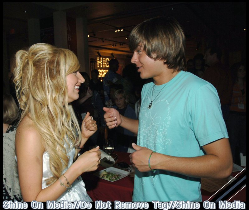 Zashley - Zac Efron & Ashley Tisdale 799x672