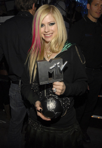 avril (ema 2007 munich)