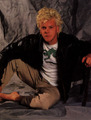 Kiefer Sutherland - the-lost-boys-movie photo