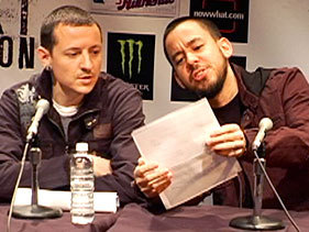 chester and mike - chester-bennington Photo