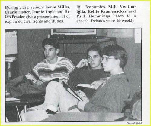 high school yearbook ছবি