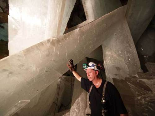 Unbelievable wallpaper entitled largest crystals ever found