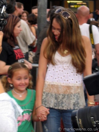 miley and her lil sis noah