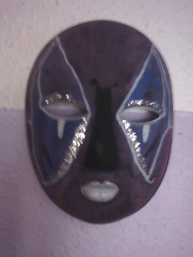 purple kupu-kupu mask