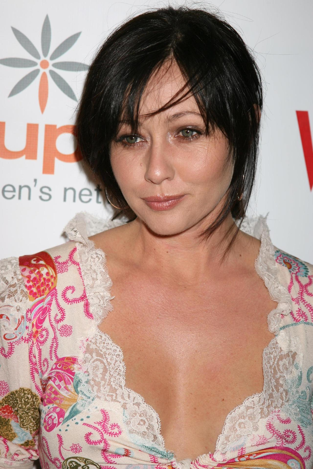 Shannen Doherty - Wallpaper Gallery