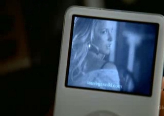 Who wouldn't want to buy an 林檎, アップル Video iPod playing Ali Larter taking off her clothes?