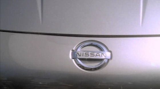 Susan (Teri Hatcher) sneaks behind some cars like this Nissan on Desperate Housewives