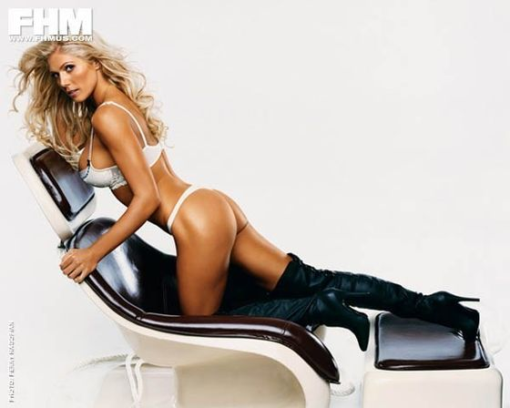 WWE Diva - Torrie Wilson - FHM PhotoShoot