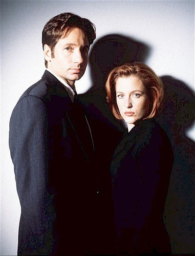http://images.fanpop.com/images/image_uploads/Mulder-and-Scully-the-x-files-79092_381_500.jpg