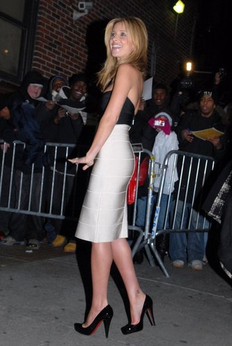 Sarah arriving at Letterman