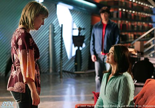 Smallville- Chloe and her mom