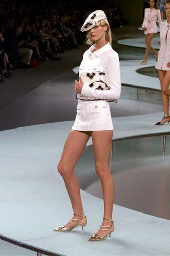 Spring 2002: Ready-To-Wear